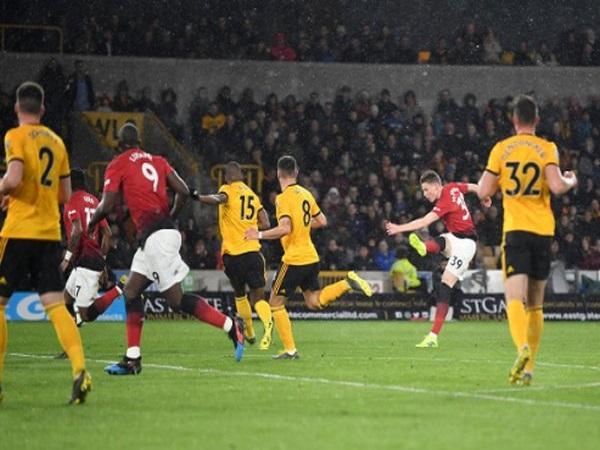 Man Utd rơi vào thế khó của cuộc đua Top 4