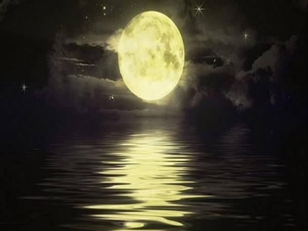 Mơ thấy mặt trăng mang điềm báo gì? Đánh con số nào?
